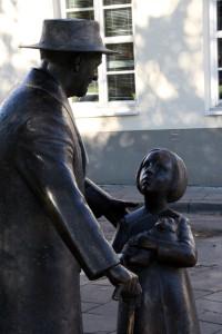 estatua Cemah Shabad doctor judío