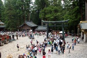 gente, santuario Toshogu, Nikko