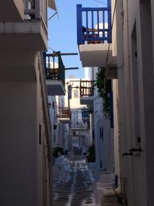 calle Mikonos 2