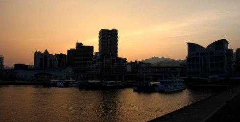 Puerto de Kobe, atardecer