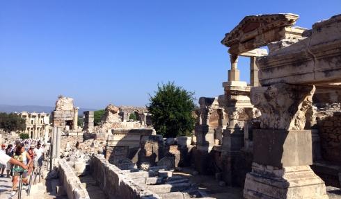 Templo de Adriano, Ruinas Efeso