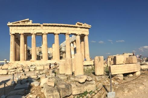Vista Parthenon desde detras, cerca