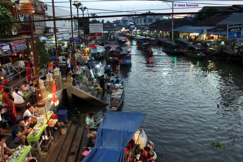 Mercado flotante Amphawa, vista nocturna