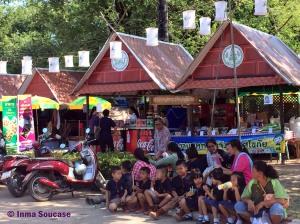 Parque Histórico de Sukhothai - gente