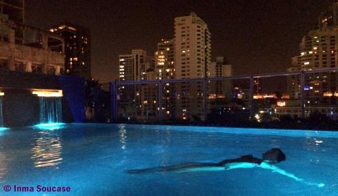 piscina Hotel Radisson Blu Plaza Bangkok, relax noche