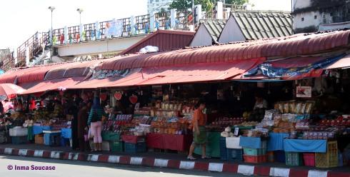 Talat Warorot Market - exterior