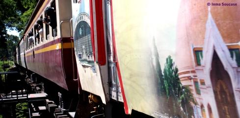 tren pasando 2 - puente sobre el rio Kwai