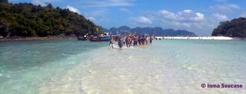 Andando de Tub island a Poda island