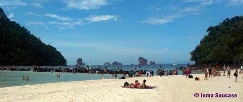 playa de Tub island a Poda island