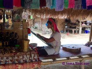 Tribu jirafa Karen Long Neck - mujer