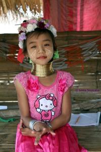Tribu jirafa Karen Long Neck - niña 2