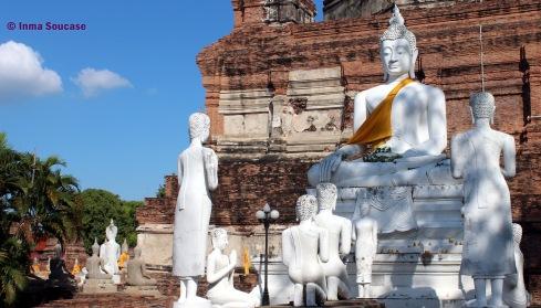 Wat Yai Chaya Mongkol - budas parte trasera